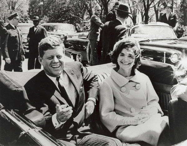 The President and Jackie in the motorcade, 11/22/63